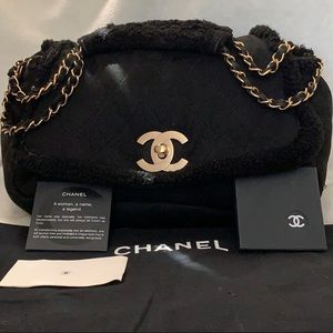 CHANEL Quilted CC Sheepskin Leather Jumbo Flap Bag